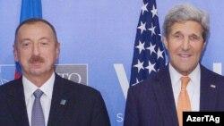 Ադրբեջանի նախագահ Իլհամ Ալիևն ու ԱՄՆ-ի պետքարտուղար Ջոն Քերրին, արխիվ