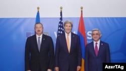Ильхам Алиев, Джон Керри и Серж Саргсян во время встречи в Уэльсе 5 сентября 2014 года.