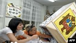 Кишиневдогу шайлоо участкаларынын бири, 30-июль, 2009-жыл.
