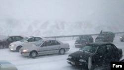 قطع گاز همزمان با بارش شديد برف و سرمای بی سابقه صورت گرفته است.