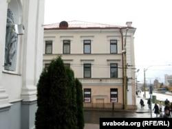 «Батароўка» знаходзіцца на цэнтральным пляцы Горадні