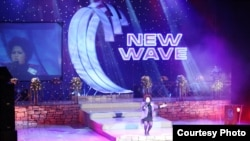 Сона Шахгельдян выступает на конкурсе «Новая волна»