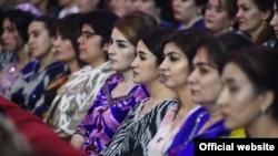 Нишасти бахшида ба Рӯзи Модар. Душанбе, 7-уми март