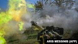 Артиллерийский залп у линии фронта в Нагорном Карабахе. 25 октября 2020 года.