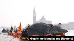 Venesiyada karnaval, arxiv foto