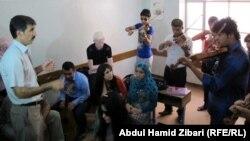 عدد من المشاركين في دورات اللغو والموسيقى