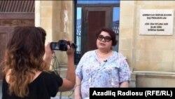 Хадиджа Исмайлова у Генпрокуратуры Азербайджана (архивное фото)