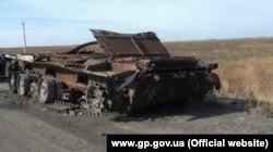 Танк Т-72, знайдений на території Мар'їнського району Донецької області (на лінії зіткнення)