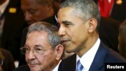 Барак Обама бо Раул Кастро