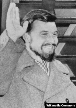 George Blake 1953-ban, amikor megérkezett Londonba.