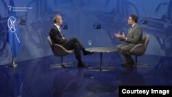 Йенс Столтенберг дар мусоҳиба бо Озодӣ