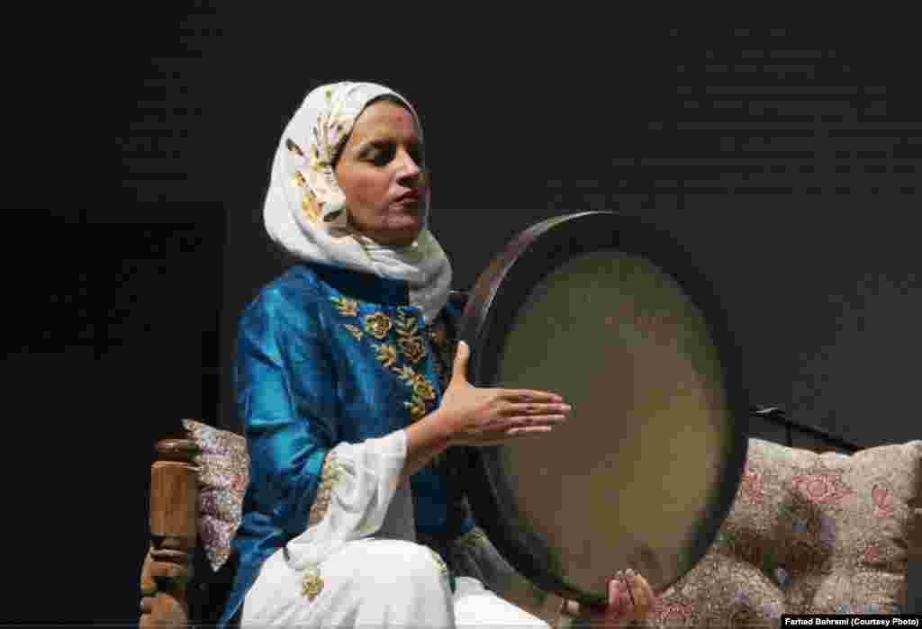 در غرفه ایران فیلمهای بسیاری از دفزنی و اجرای موسیقی گروهی زنان ایرانی به نمایش گذاشته میشود. اجرا زنده دفزنی توسط یکی از نوازندگان زن گروه سالار عقیلی از دیگر برنامههایی بود که با استقبال مواجه شد.