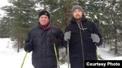 Искандер Мушинский на реабилитации с отцом Ахатом Мушинским