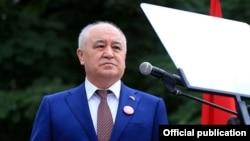 """Өмүрбек Текебаев, """"Ата-Мекен"""" саясий партиясынын лидери."""