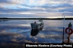 Корабль – основная связь биостанции с внешним миром