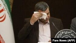 Заместитель министра здравоохранения Ирана Ираж Харирчи на пресс-конференции в Тегеране. 24 февраля 2020 года.