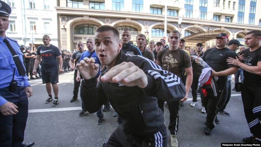 """Украина должна сохранить """"свое уникальное лицо"""", - Азаров поздравил соотечественников - Цензор.НЕТ 4670"""