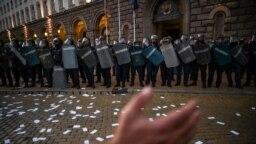 Протестите срещу правителството и главния прокурор започнаха на 9 юли 2020 г.