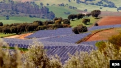 32 гектер жерди ээлеген солярдык электростанция. Португалия. 27-март 2007