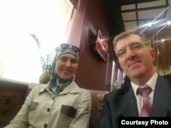Амина Окуева и Артур Кринари на одной из встреч. Фото предоставлено защитой Артура Кринари