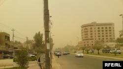 بقايا العاصفة الترابية في بغداد