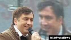 По мнению политологов, после выборов антироссийская риторика Саакашвили будет не столь страстной