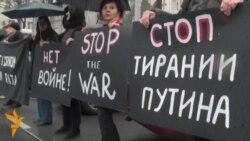 «Світ у відео»: У Сербії на протест проти воєнних дій Росії в Україні вийшли «Жінки в чорному»
