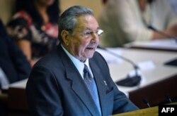 Рауль Кастро - только что переизбранный на 5 лет