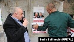 Vojin Pavlović, lider Istočne alternative lijepi postere Ratka Mladića i Milorada Dodika