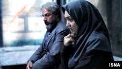 نیکی کریمی و امیر آقایی در نمایی از فیلم «چهارشنبه ۱۹ اردیبهشت»