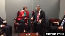 Hashim Thaçi gjatë takimit me zyrtaren e lartë të BE-së Catherine Ashton në OKB