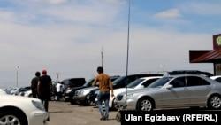 Бишкектеги машина базар. 2014-жыл.