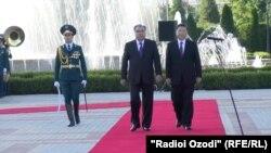 د چین او تاجکستان ولسمشران