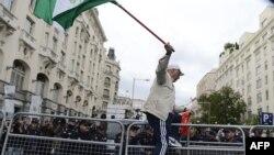 Участник демонстрации в Мадриде против мер жесткой бюджетной экономии