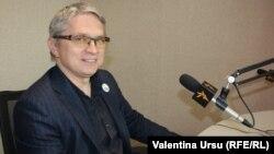 Senatorul USR Radu Mihail în studioul Europei Libere de la Chișinău
