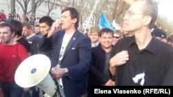 Олен Шеин на протестной акции в Астрахани, 14 апреля 2012