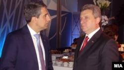 Архивска фотографија: Претседателот на Бугарија Росен Плевнелиевсо македонскиот претседател Ѓорге Иванов на Самитот на НАТО во Чикаго на 21мај 2012 година.