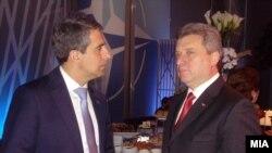 Претседателот Ѓорге Иванов и претседателот на Бугарија Росен Плевнелиев на Самитот на НАТО