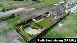 Будинок під Києвом на майже 300 квадратів, який у 2015 році придбав Конохов