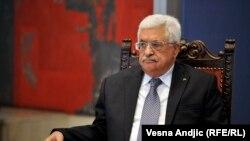محمود عباس میگوید که «به زودی» به کاخ سفید میرود تا روند صلح را برای تحقق راهکار تشکیل دو دولت پیش ببرد.