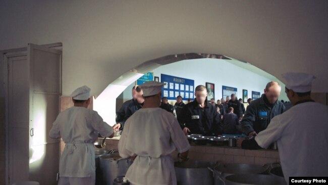 В тюремной столовой. Фото представительства организации «Международная тюремная реформа» в Центральной Азии.