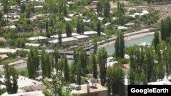Панорама Хорога, административного центра Горно-Бадахшанской области Таджикистана.