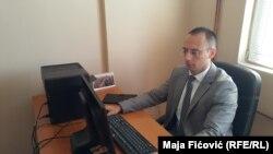 Deputeti i Kuvendit të Kosovës, Igor Simiq