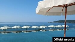 Bazen hotela Queen of Montenegro