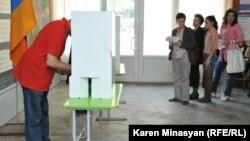 Ընտրություններ Հայաստանում, արխիվային լուսանկար