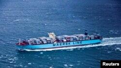 """""""Maersk"""" компаниясынын жүк тарткан танкери. 2012-жылы тартылган сүрөт."""