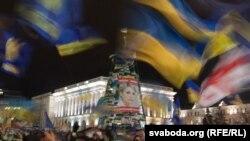Акция сторонников евроинтеграции в центре Киева продолжается уже 52 дня