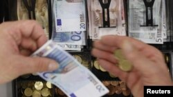 Зростання ВВП поки що не свідчить про покращення добробуту пересічних латвійців