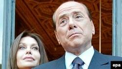 Сильвіо Берлусконі та його дружина Вероніка Ларіо, 2007 р.