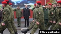 Евкуров встретил вернувшийся из Сирии батальон военной полиции
